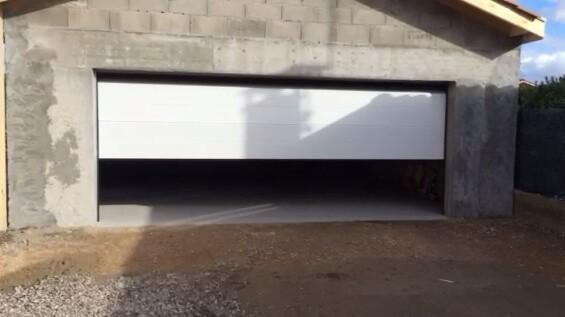 Porte de garage 5m menuiserie lionel astier travaux for Porte de garage 4m